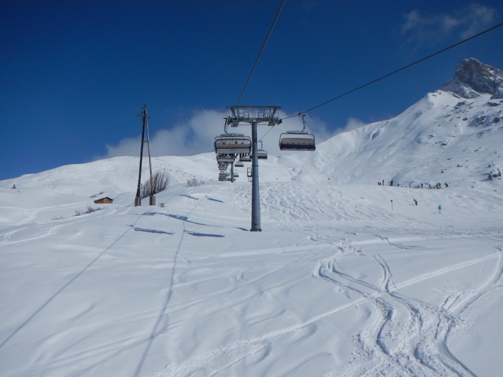 Beautiful conditions on the slopes - blue sky, sun and good snow