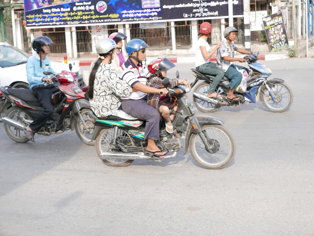 More motorbikes in Mandalay