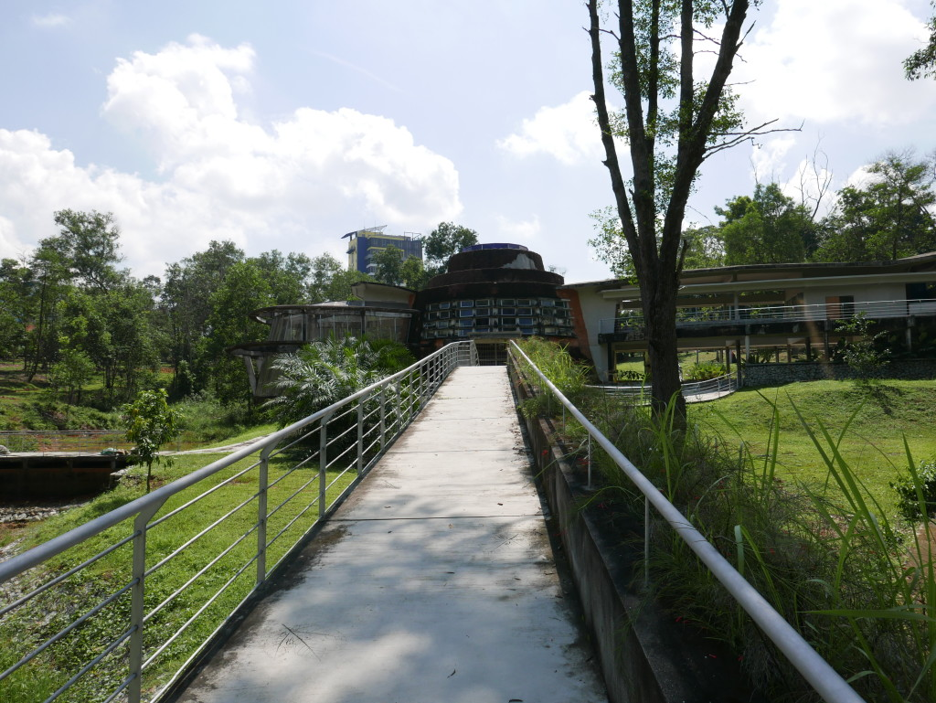 Walkway to Taman Ekologi section (Ecology section) - Hutan Bandar, Johor Bahru