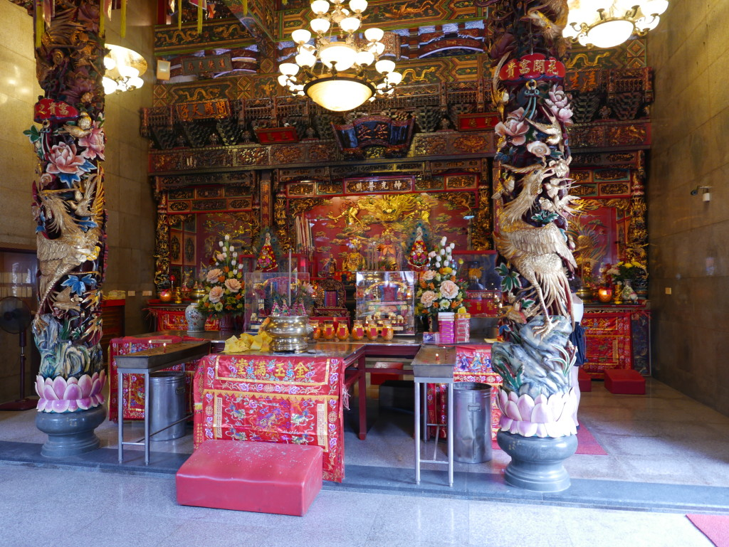 Shrine at the Hong San Si Chinese Temple