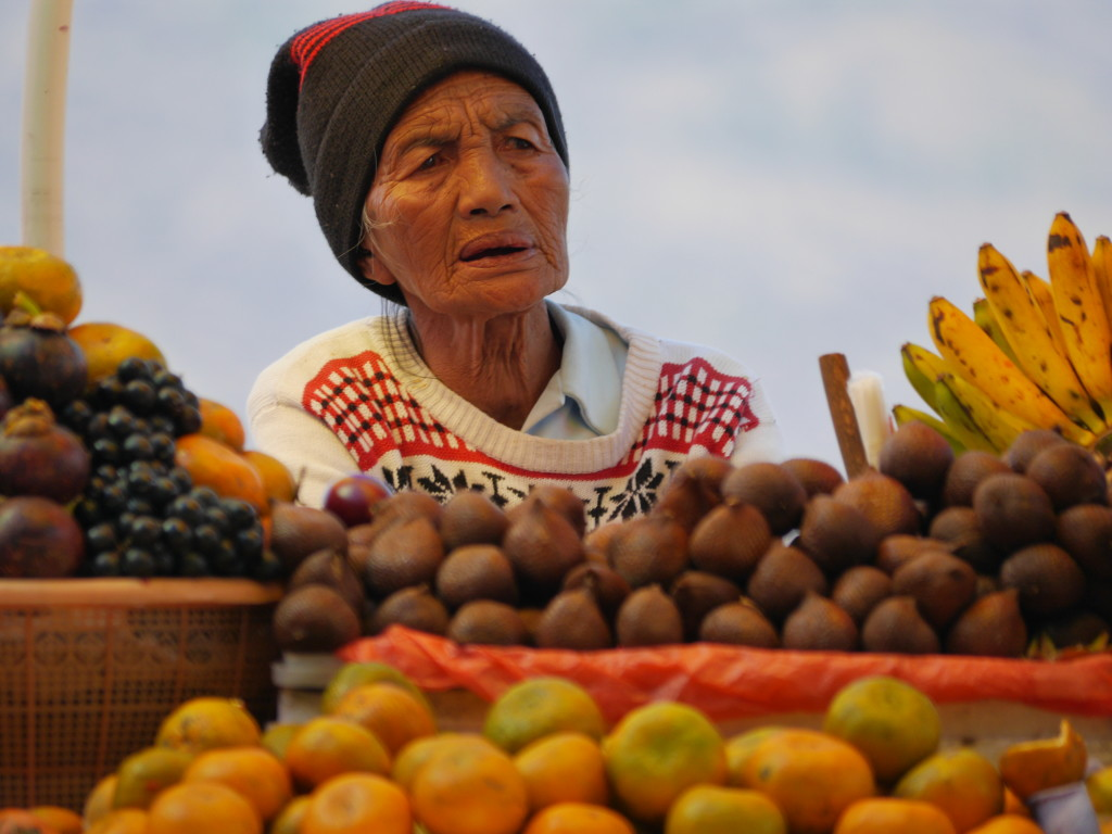 The people of Bali, Indonesia - Fruit seller